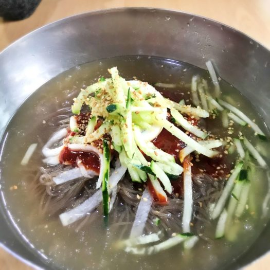 大盛りビビン冷麺