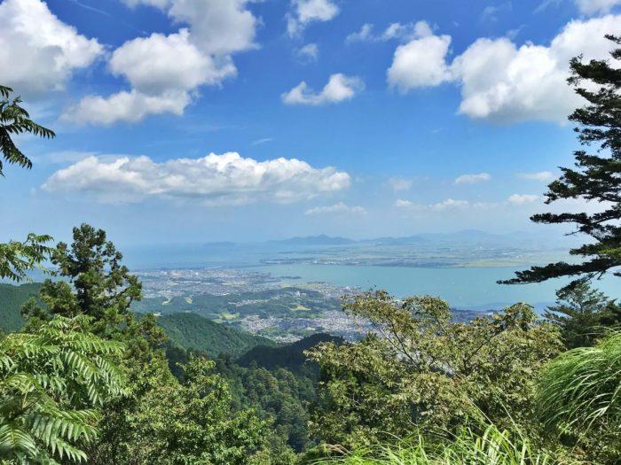 高台から見下ろす琵琶湖