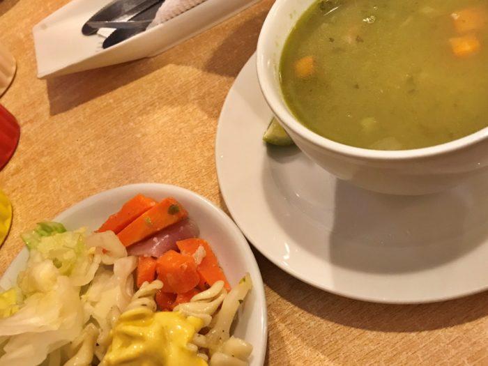 パスタのサラダとスープ