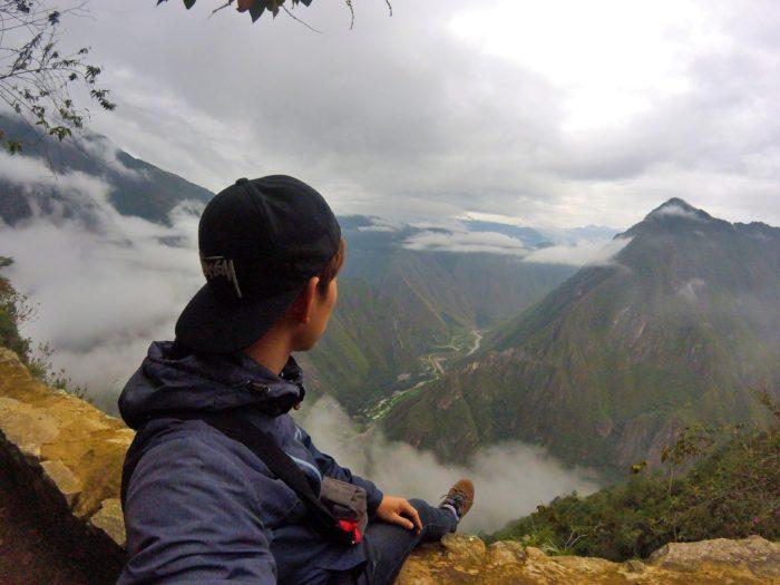 断崖絶壁からの景色