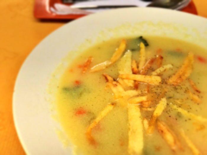 フライドポテトの浮かんだスープ