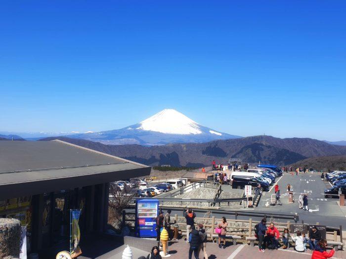 大涌谷から望む富士山