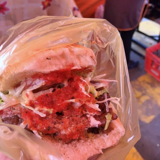 ボリューミーなハンバーガー