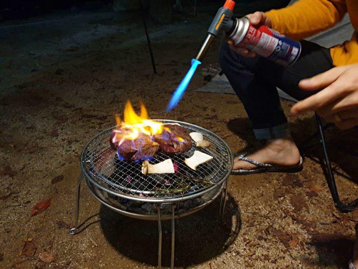 ステーキのバーナー焼き