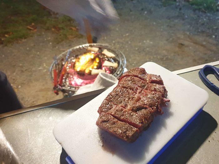 ステーキの切り分け