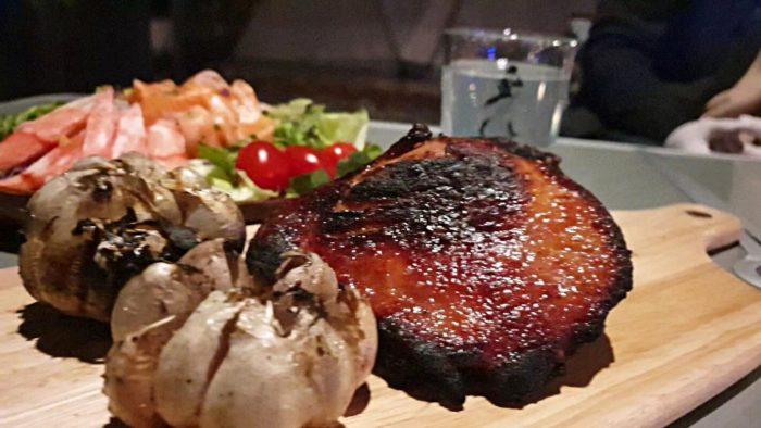 鴨とにんにくのステーキ