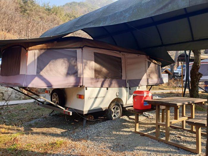 車輪付き折り畳み式テント