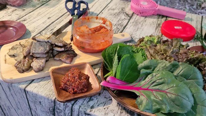 サムギョプサルと野菜の盛り合わせ